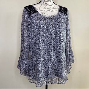 Rose & Ali bell sleeve lace tunic top